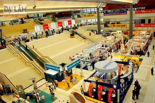 khu trưng bày sản phẩm mới tại trung tâm hội nghị quốc gia